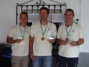 Jesús Alcántara (c), Francisco Fernández (i) y Salvador Saez (d).